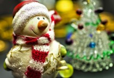 free-photo-cute-christmas-snowman-doll