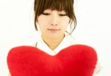 free-photo-valentine-heart-woman